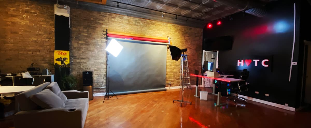 Wicker Park Loft Photography/Videography Space (Equipmemt provided or natural light) in Chicago Hero Image in West Town, Chicago, IL