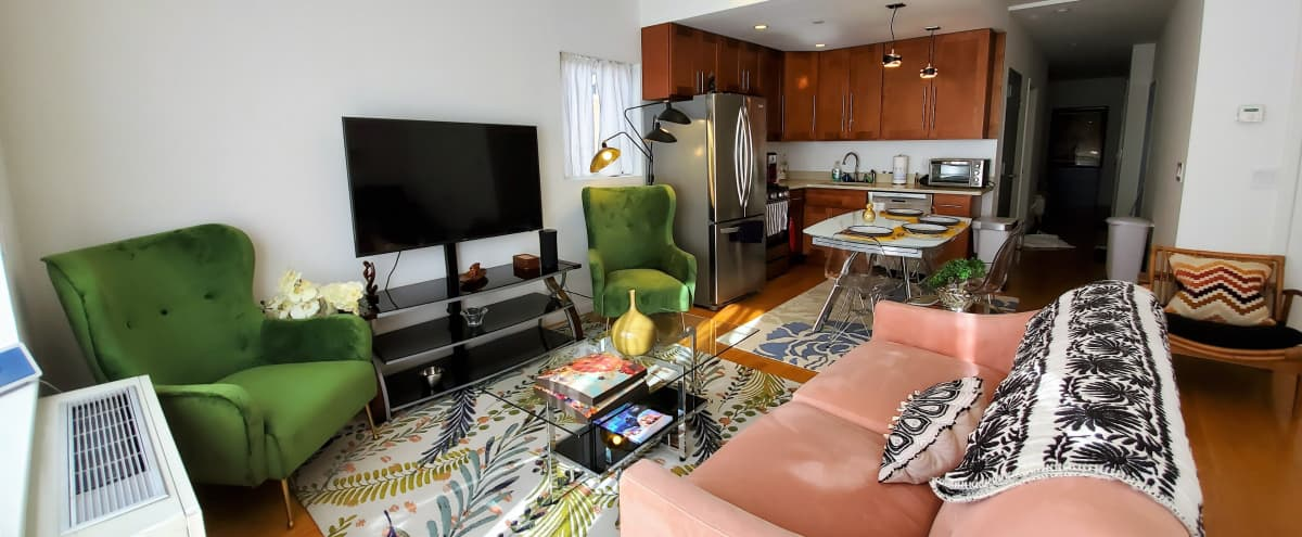 Large Mid-Century Harlem Apartment w/full Kitchen in Manhattan Hero Image in South Harlem, Manhattan, NY