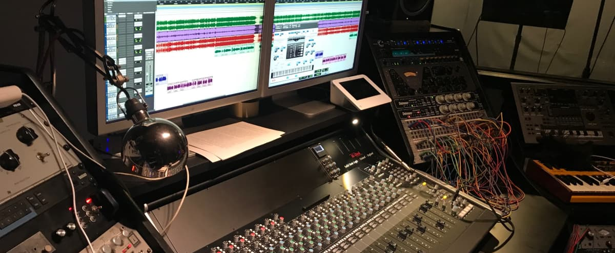 Real Line Music - Recording Studio in Los Angeles Hero Image in Hollywood, Los Angeles, CA