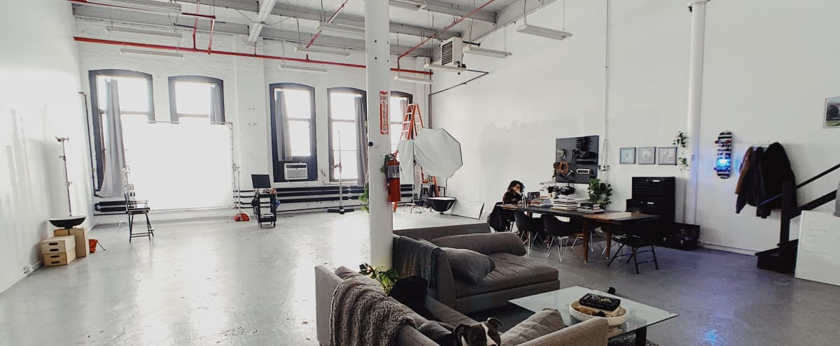 Bright West Side Studio in Chicago Hero Image in Near West Side, Chicago, IL