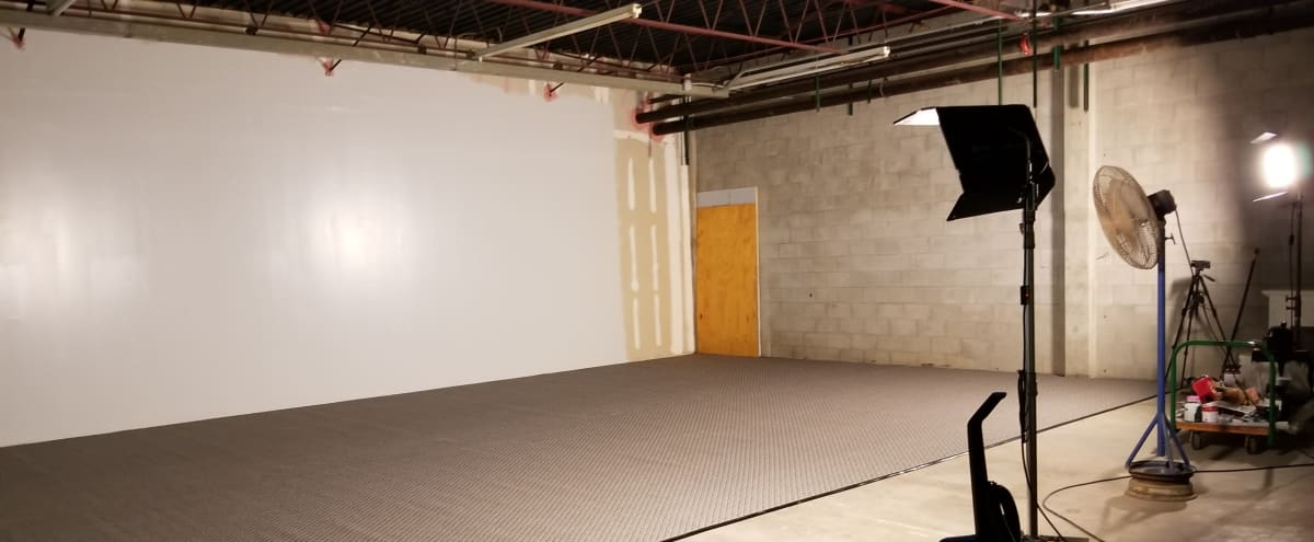 Centrally Located, Studio Space, Industrial, Very Large With High Ceilings, Roll Up Door in Tampa Hero Image in Carver City-Lincoln Gardens, Tampa, FL