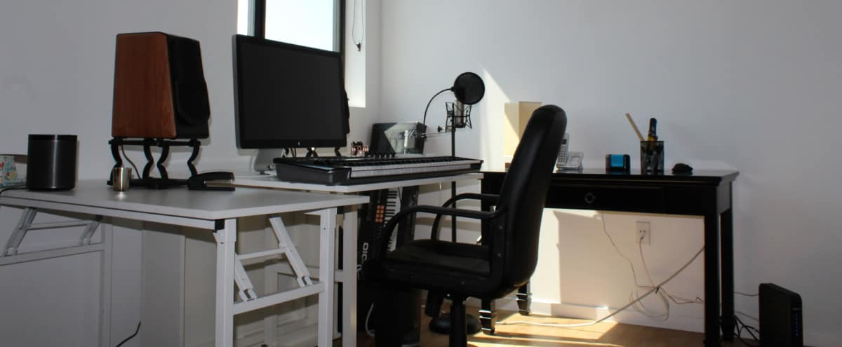 Light-Filled CENTRAL Hollywood Recording Studio (Music, Video Production,  Podcasts, Instrumental Recording, Editing, Photo Shoots)  This is a quiet,