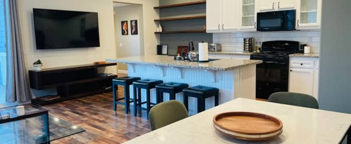 Suburban Townhouse with Trendy, Large Kitchen in Mission Viejo Hero Image in undefined, Mission Viejo, CA
