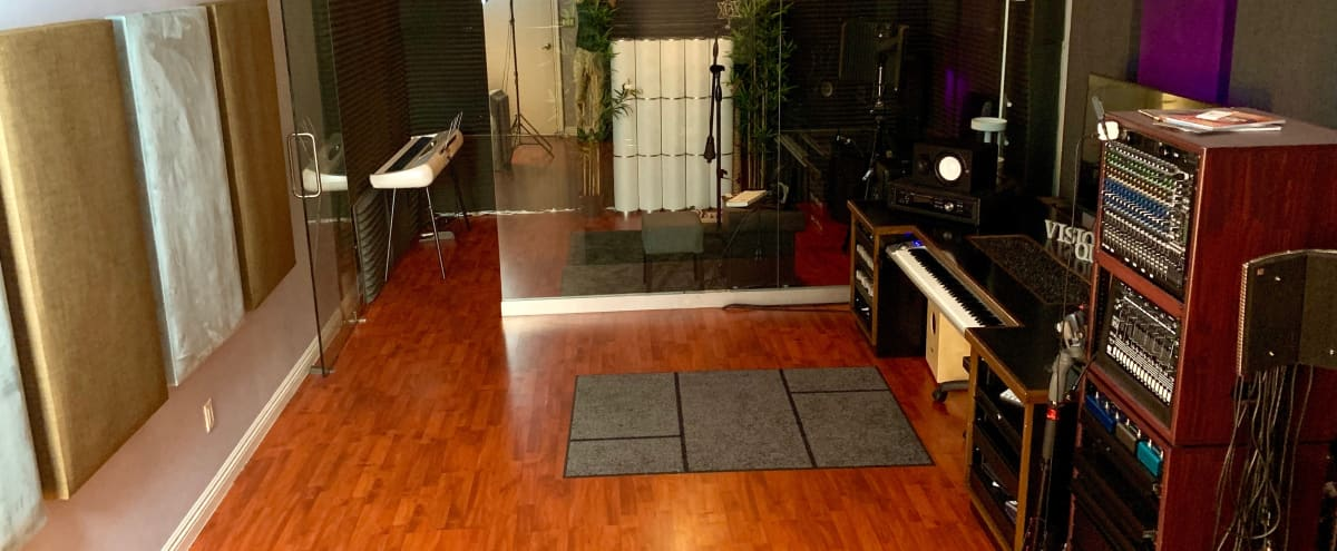 Elegant, boutique, luxiurious, recording studio in Van Nuys Hero Image in Van Nuys, Van Nuys, CA