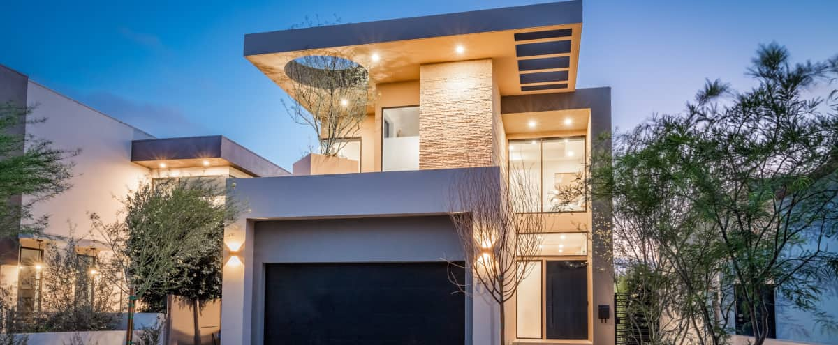 MODERN SPACIOUS TRIPLEX VILLA - AMAZING NATURAL LIGHT! Gym, Pool, Hot tub, Gourmet Kitchen!  WeHo in WEST HOLLYWOOD Hero Image in Central LA, WEST HOLLYWOOD, CA