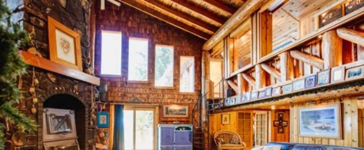 Amazing Cabin on 10 acres. in Coeur d alane Hero Image in undefined, Coeur d alane, ID