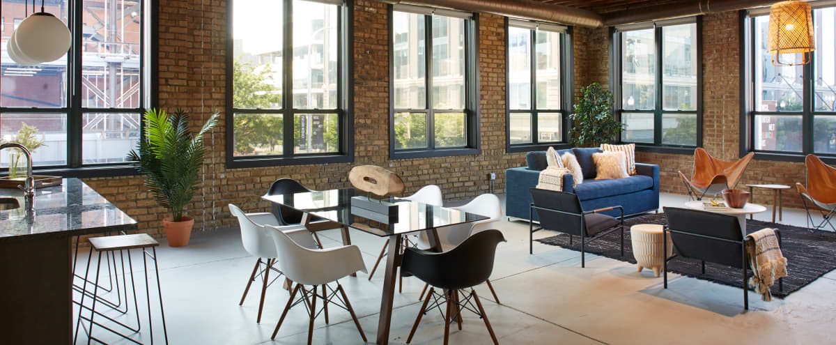 Spectacular Corner 3BR Loft In Fulton Market, Newly Renovated in Chicago Hero Image in Fulton Market, Chicago, IL