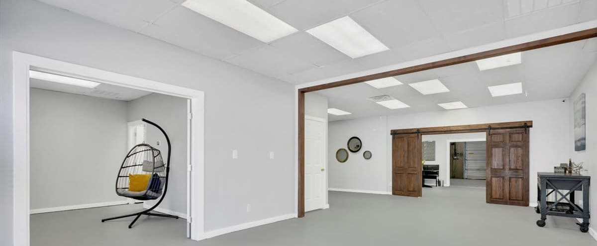 Spacious Multipurpose Studio perfect for production in Dallas Hero Image in Loryland, Dallas, TX