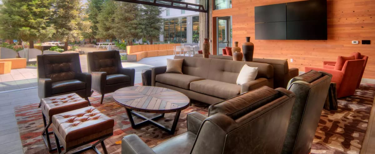 Modern, luxurious lounge with kitchen access in San Francisco Hero Image in SoMa, San Francisco, CA