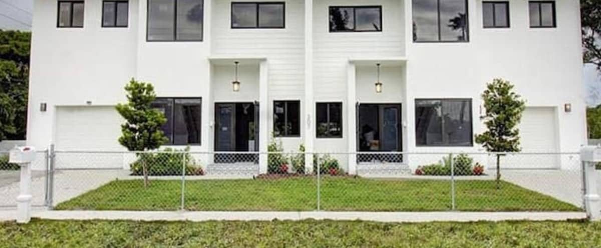New 2021 Townhome near Wilton Manors/Las Olas in fort  lauderdale Hero Image in South Middle River, fort  lauderdale, FL