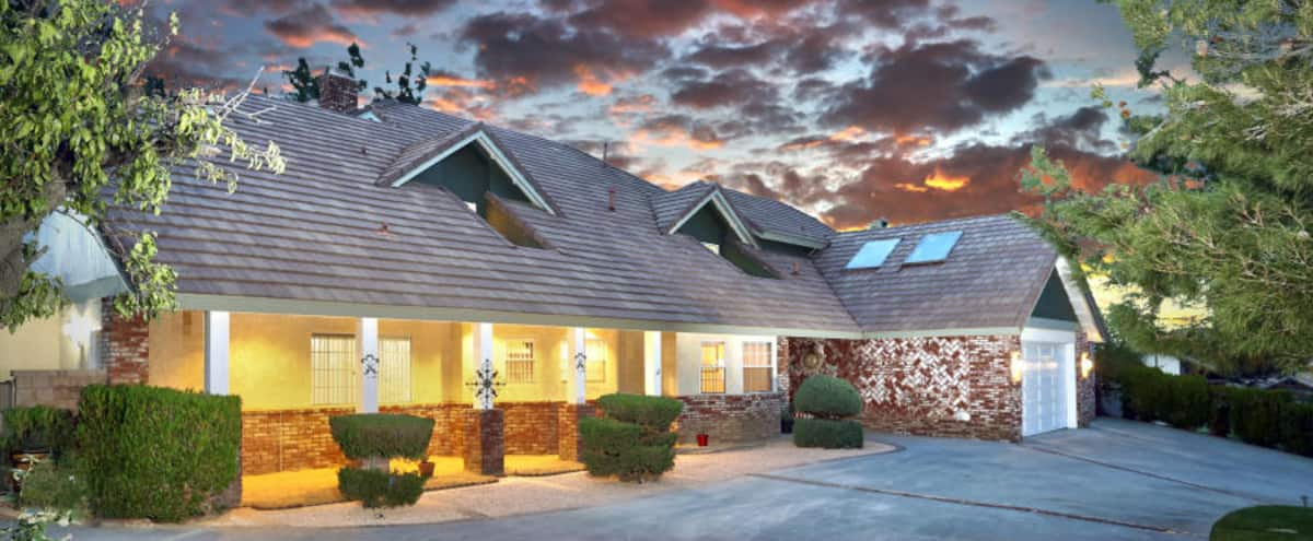 Luxurious Estate, Amazing Scenery, Relaxing Atmosphere in Palmdale Hero Image in undefined, Palmdale, CA