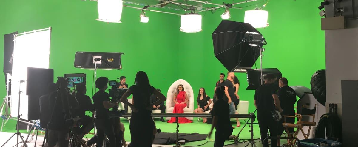 Pre-lit 65' Green Screen Studio in Burbank Hero Image in Tropico, Burbank, CA