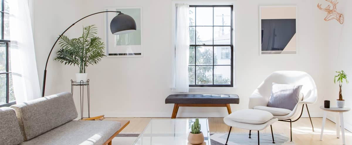 Spacious Artisanal Loads of Light Apartment Centrally Located in los angeles Hero Image in Jefferson Park, los angeles, CA