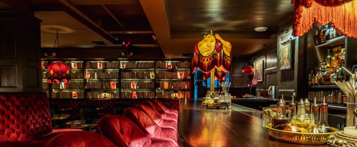 Plush Midtown Piano Bar in New York Hero Image in Midtown Manhattan, New York, NY