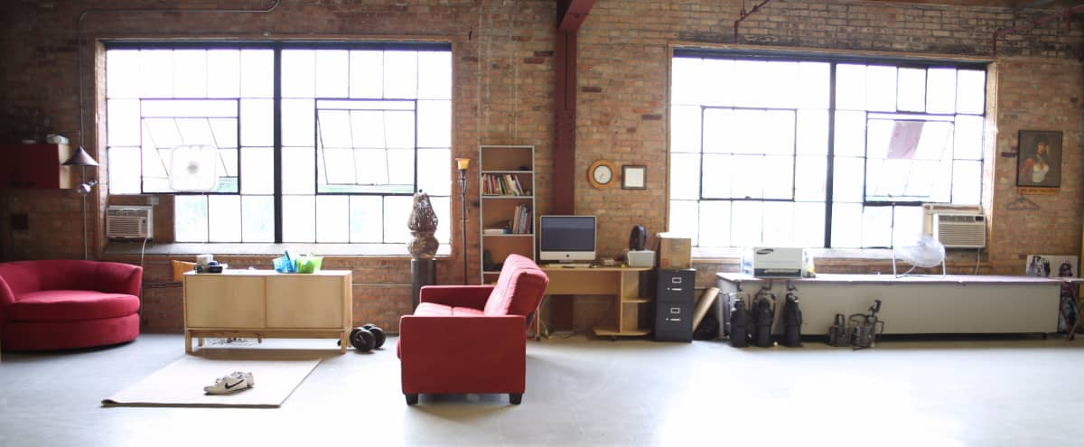 (AT THIS TIME WE ARE NOT DOING EVENTS)   We are how allow the following: 1) video productions 2) Photoshoots. 3) music video productions. Nice urban open style loft studio located in Chicago's East Garfield Park area in Chicago Hero Image in Garfield Park, Chicago, IL