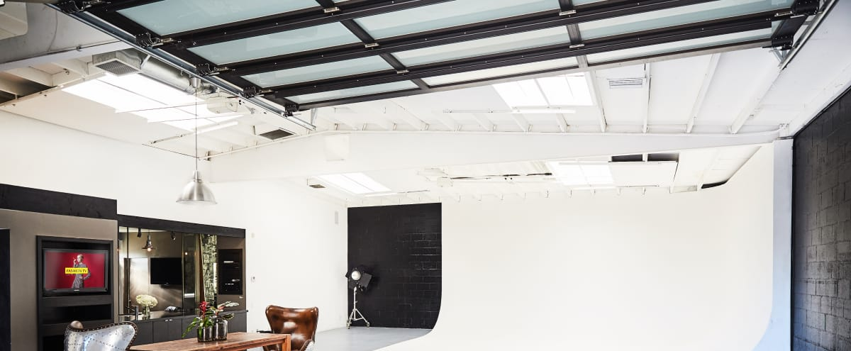 Chic Modern Photo Studio in the Heart of LA in Los Angeles Hero Image in Mid-Wilshire, Los Angeles, CA
