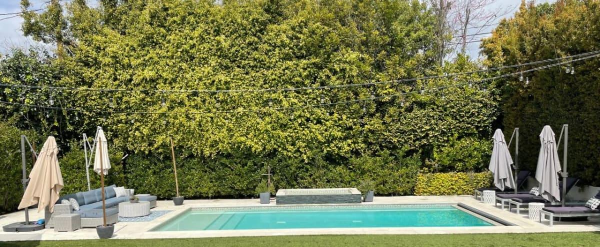 Beautiful Beverly Hills Adjacent Backyard in Los Angeles Hero Image in Beverlywood, Los Angeles, CA