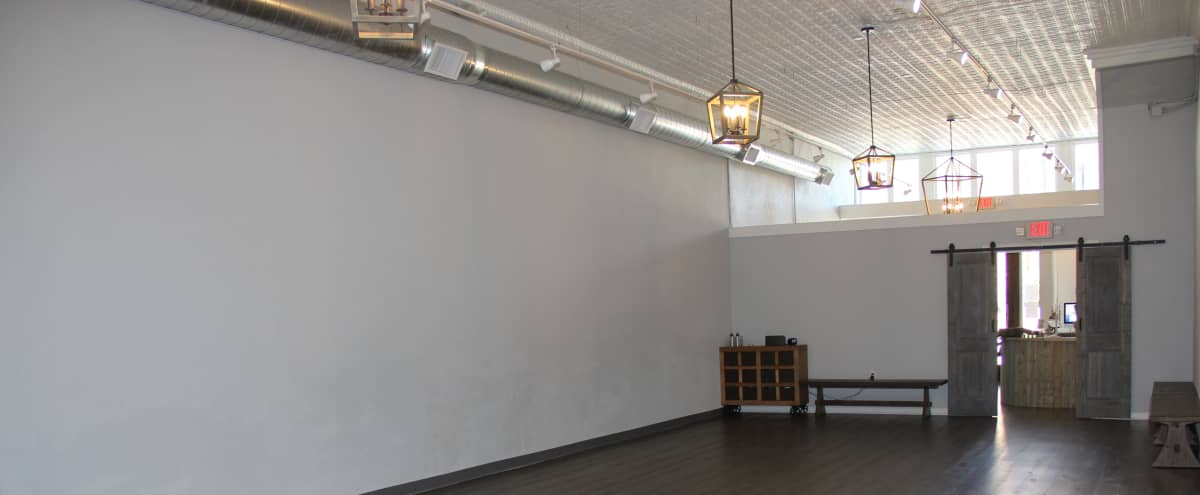 Creative and Spacious Open Concept Studio with High Ceilings in Decatur Hero Image in undefined, Decatur, TX
