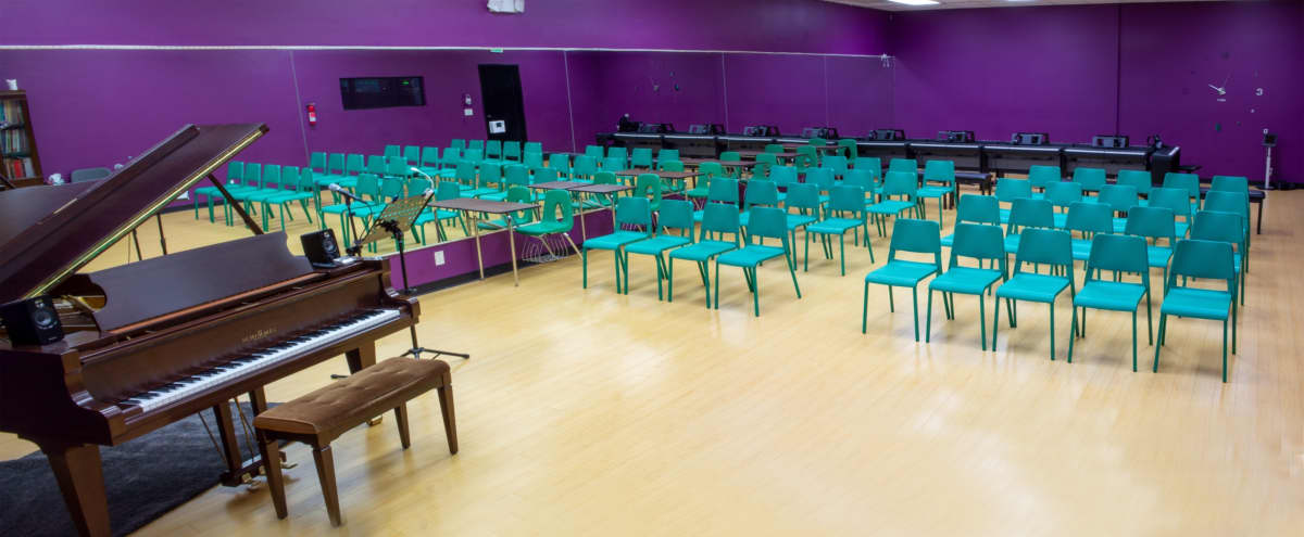 Piano recital space, roomy, plenty of seating in Woodland Hills Hero Image in Woodland Hills, Woodland Hills, CA