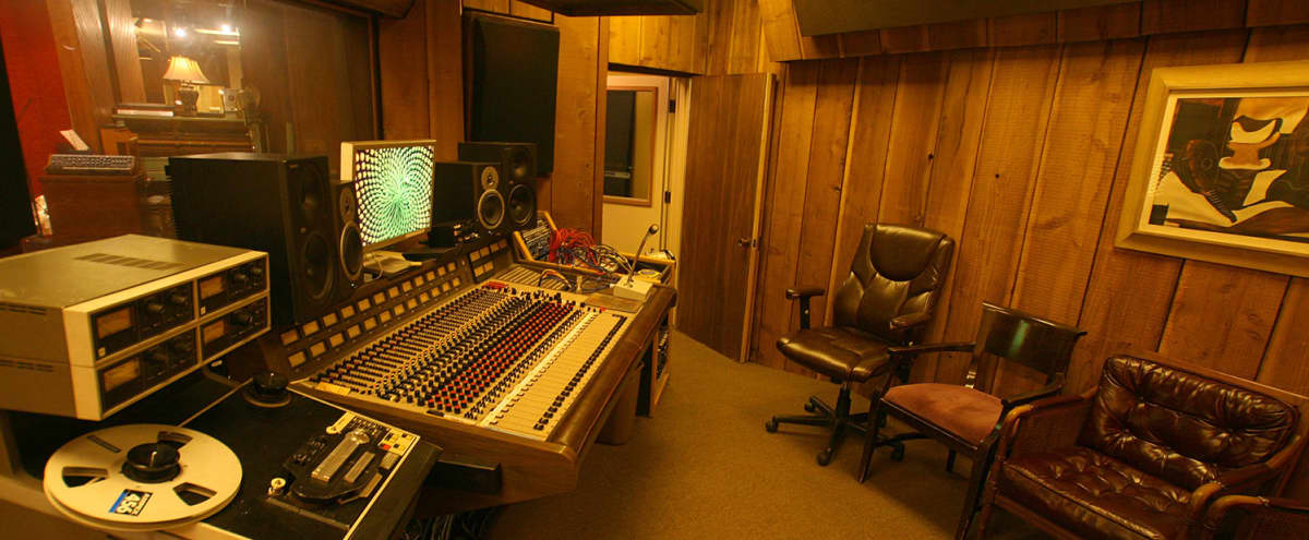 Classic LA Recording Studio - Beautiful, customizable, and a great vibe in Los Angeles Hero Image in Northeast Los Angeles, Los Angeles, CA