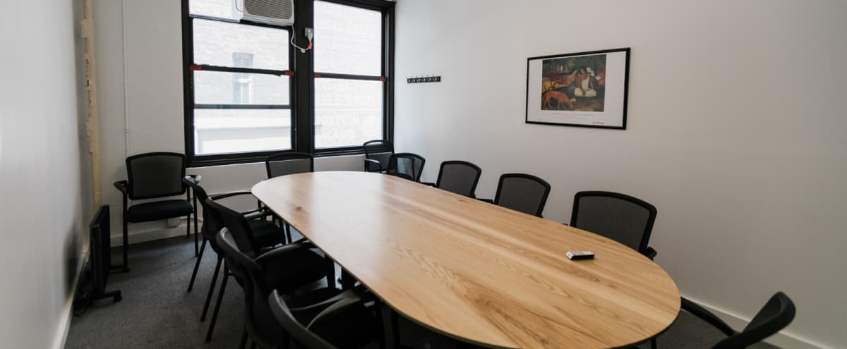 10 Person Private Conference/Classroom (#12) in New York Hero Image in Midtown, New York, NY