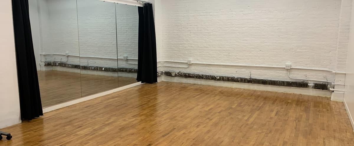 Midtown Rehearsal Studio with Mirrors in New York Hero Image in Midtown Manhattan, New York, NY