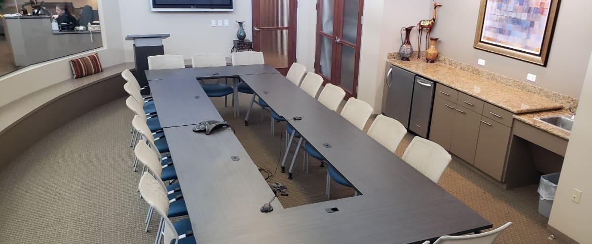 Large Lakeside Industrial 16 Person Conference Room in Kingwood Hero Image in Kingwood, Kingwood, TX