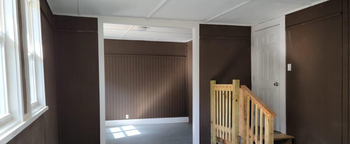 Suburban Enclosed Sunroom Studio with High Ceilings and Backyard Access in Atlanta Hero Image in Collier Heights, Atlanta, GA