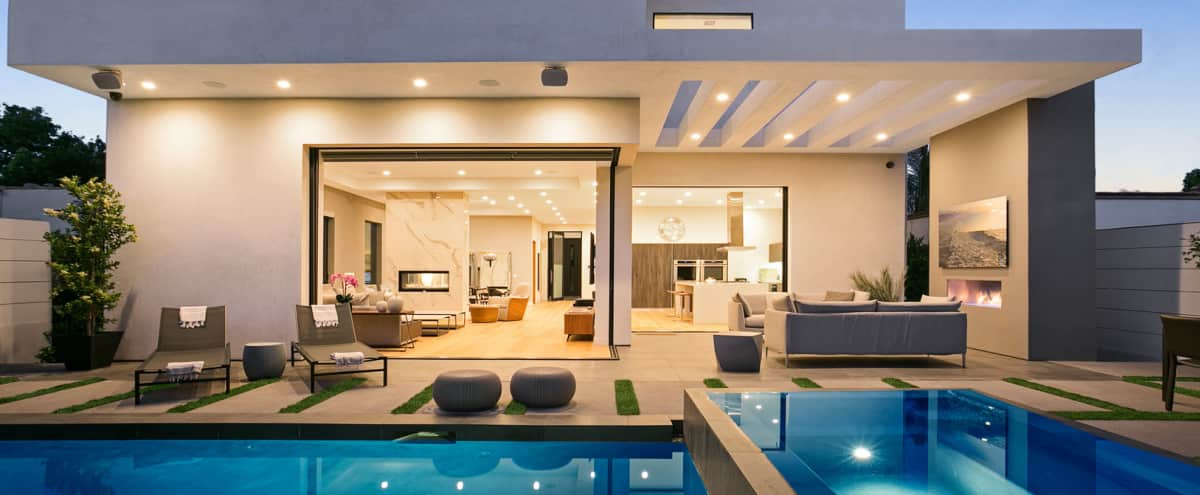 MODERN VILLA - Amazing Natural Light! Pool, Hot tub, Gourmet Kitchen, Fire Pit! WeHo! in LOS ANGELES Hero Image in Central LA, LOS ANGELES, CA