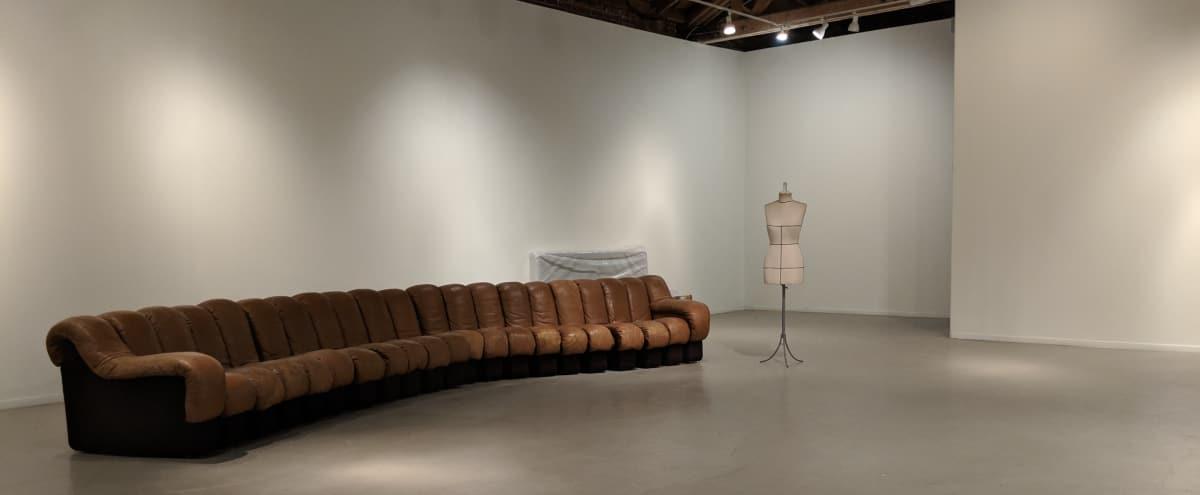 Incredible La Brea Art Gallery, Near Melrose in Los Angeles Hero Image in Fairfax, Los Angeles, CA