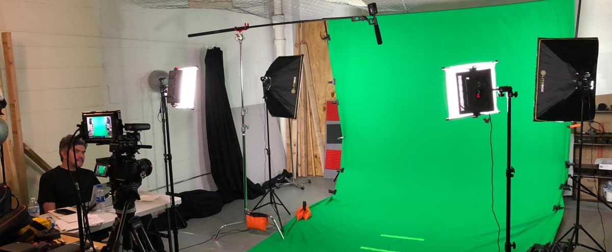 Ravenswood Loft w/ Green Screen, Brick, Recording Studio in Chicago Hero Image in Uptown, Chicago, IL