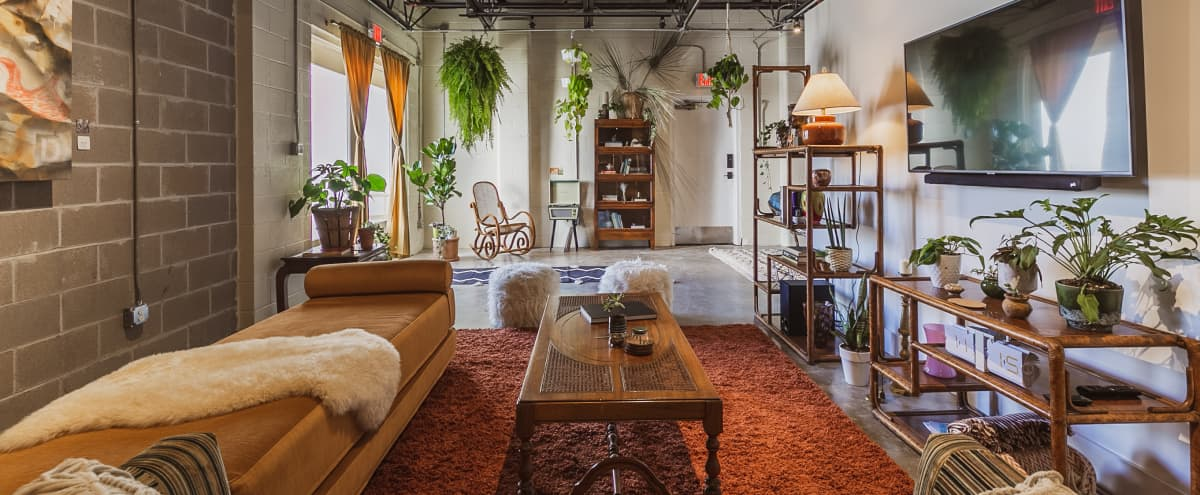 Texas Avenue BNB | The Seventies Suite in Houston Hero Image in East Downtown, Houston, TX