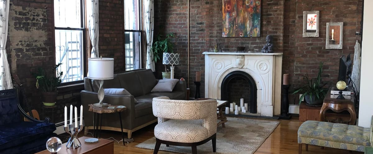 Spacious Downtown Loft with charming industrial feel, great lighting, extra seating in Jersey City Hero Image in Downtown Jersey City, Jersey City, NJ