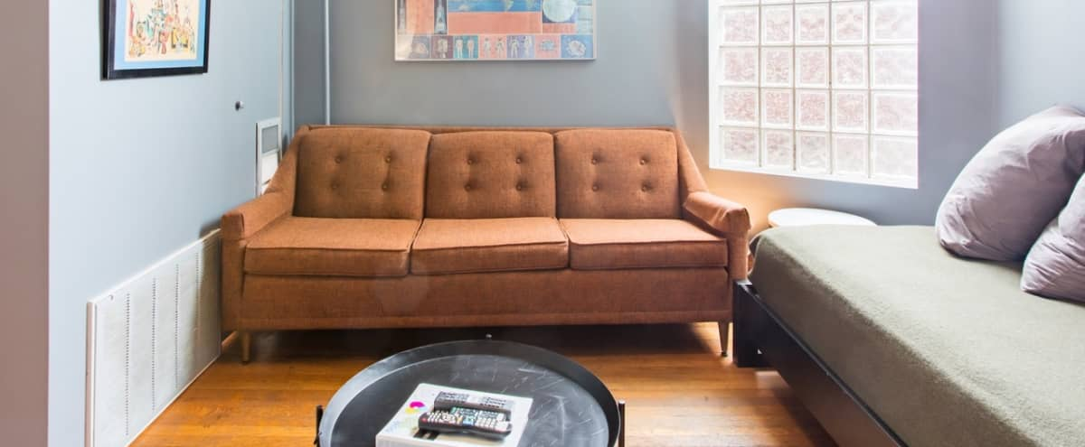 Rehabbed Chicagoland Apartment in Convenient Fulton Market Location in Chicago Hero Image in Near West Side, Chicago, IL