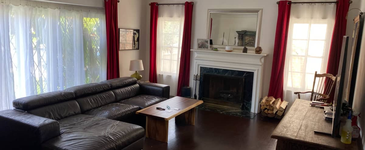 Beautiful House, Gorgeous Views, Huge Garden, Fireplace, Gym and More in Los Angeles Hero Image in Central LA, Los Angeles, CA