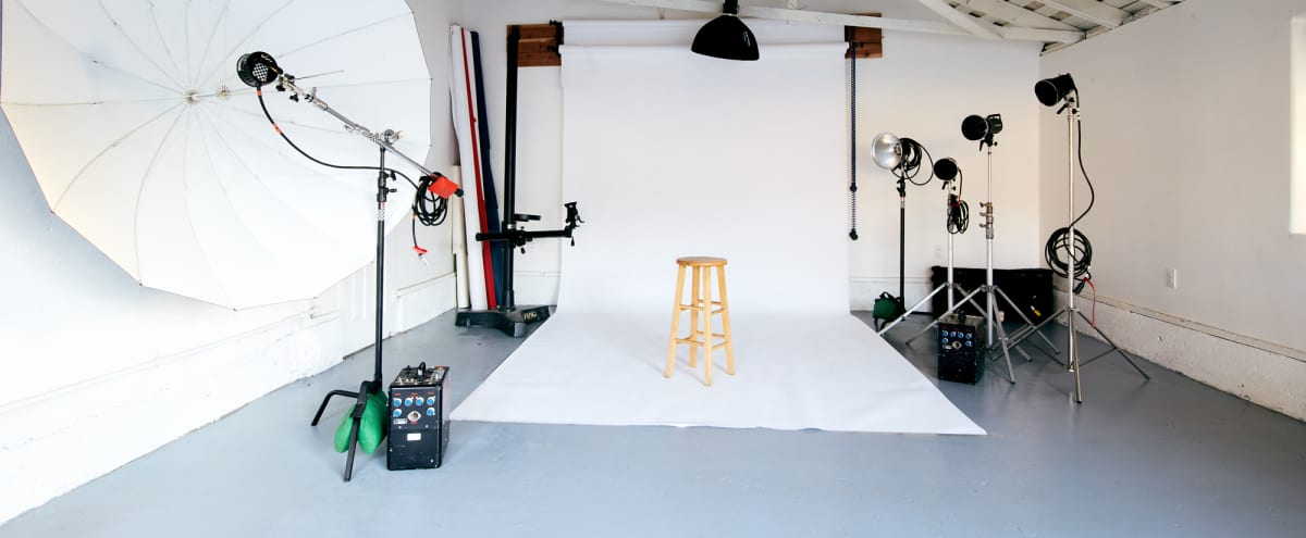 San Fernando Valley Private Residential Photo Studio With lots of Work Space and  Natural Light in Sylmar Hero Image in Sylmar, Sylmar, CA