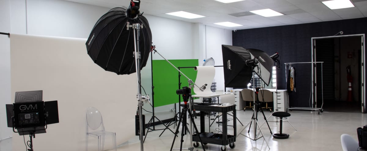 Spacious Photo Studio W/ Equipment Included (FREE PARKING) in Carson Hero Image in undefined, Carson, CA