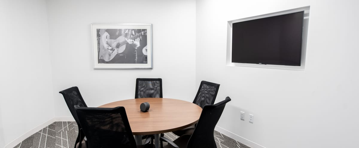 High-End Meeting Room for 5 in Dallas Hero Image in Far North Dallas, Dallas, TX