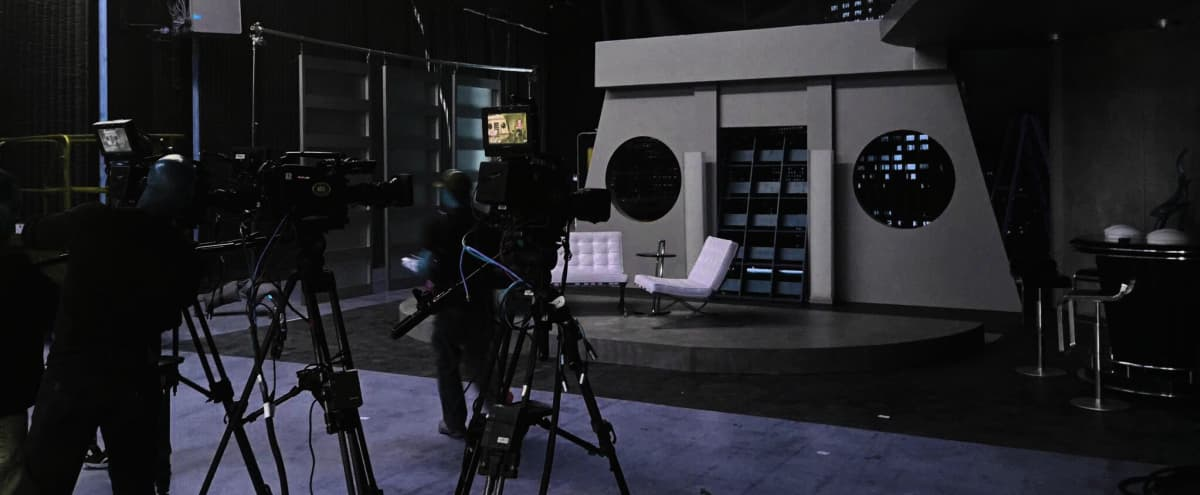 Affordable 5500 sq ft Black Void Soundstage with 40' Green Screen in Glendale in Glendale Hero Image in Tropico, Glendale, CA