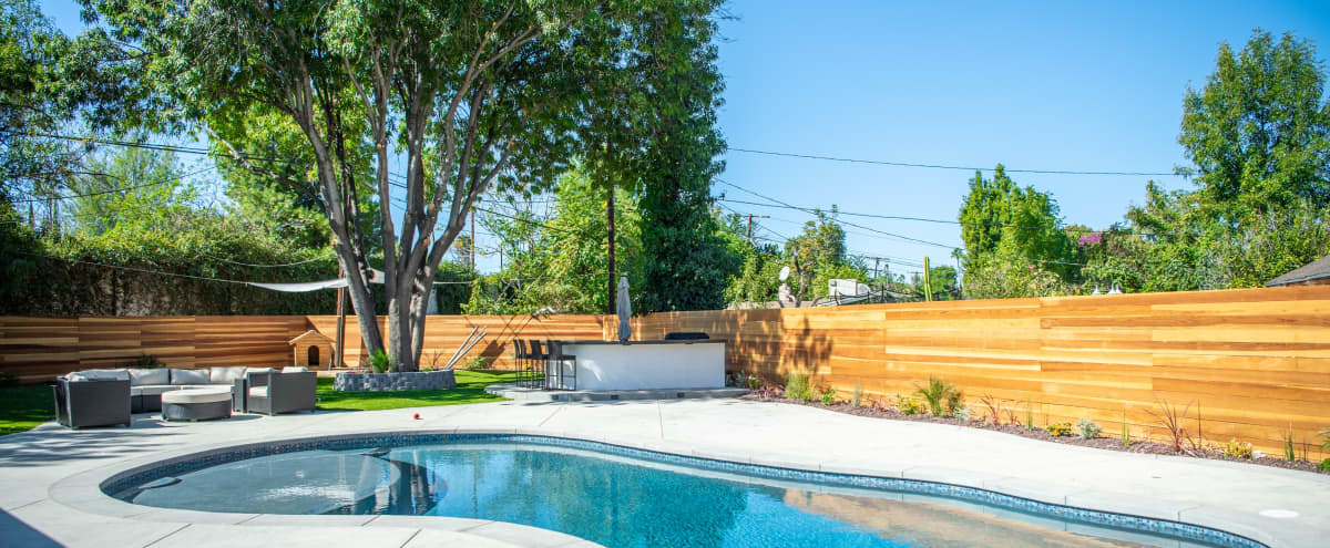 Beautiful large backyard space in Woodland Hills Hero Image in Woodland Hills, Woodland Hills, CA