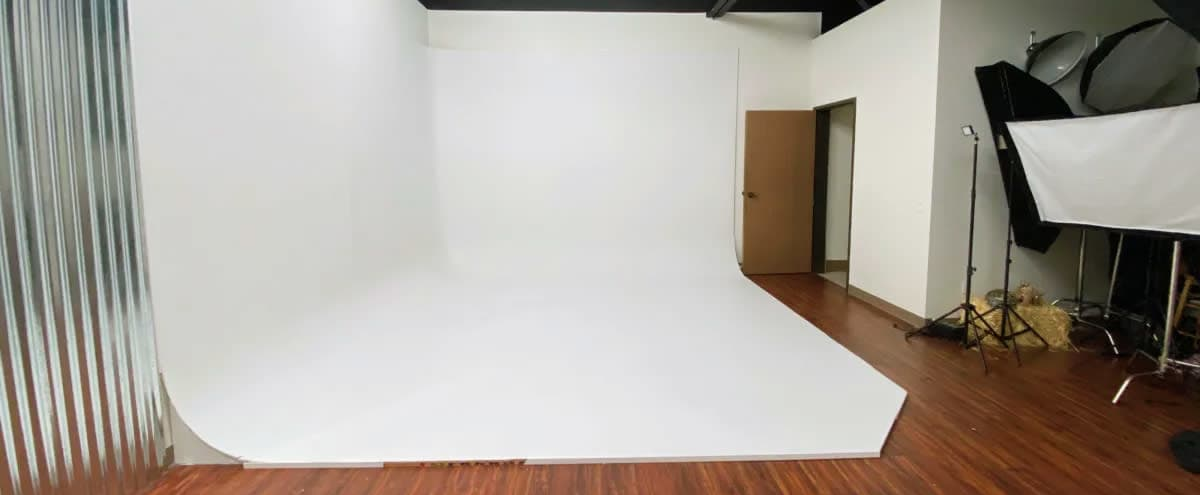 Boutique Photography Studio Light Hero Studios in Murrieta Hero Image in undefined, Murrieta, CA