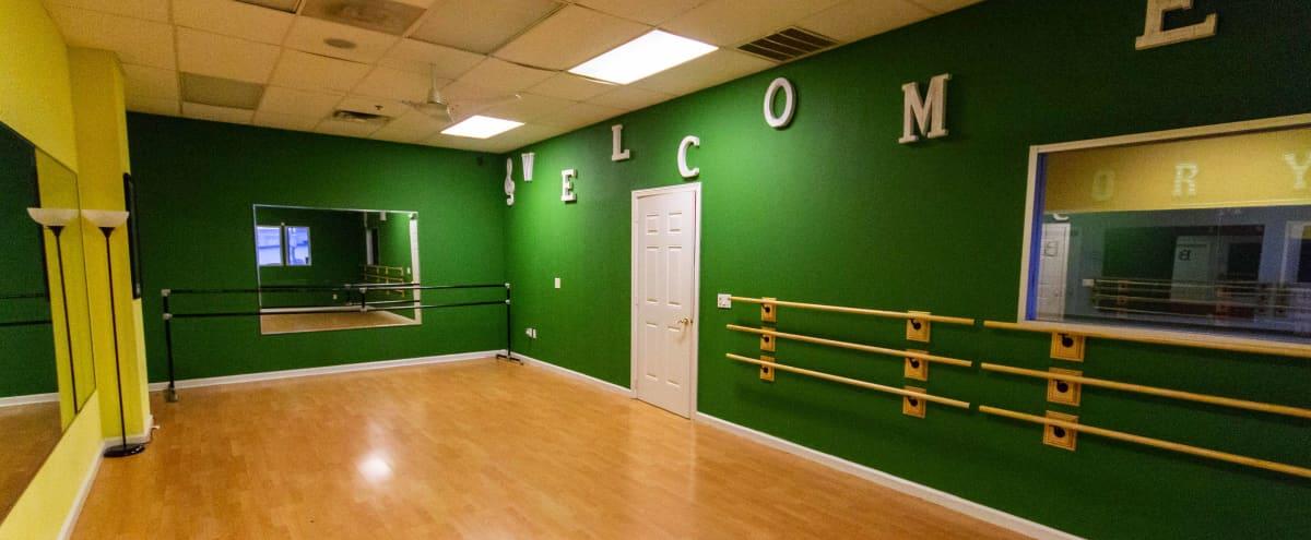 Charming Dance Studio in Houston - Music Videos - Photo Shoots in Houston Hero Image in Sharpstown, Houston, TX