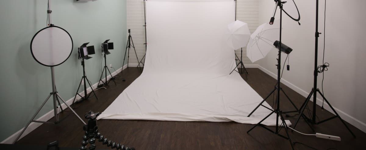Fashion and Product Photography with Options in Encino Hero Image in Encino, Encino, CA