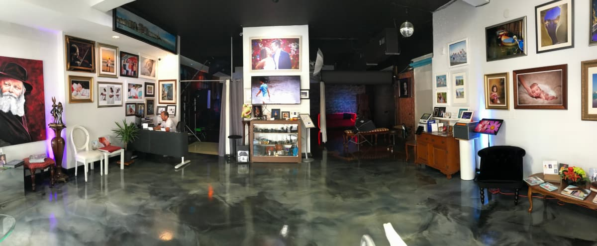 Professional Hollywood Photo/Video Studio in HOLLYWOOD Hero Image in Parkside, HOLLYWOOD, FL