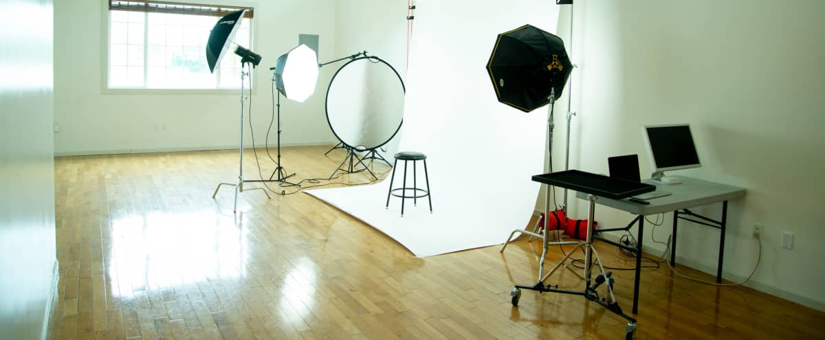 Large and Bright Photo/Video Studio in Greenpoint! in Brooklyn Hero Image in Greenpoint, Brooklyn, NY