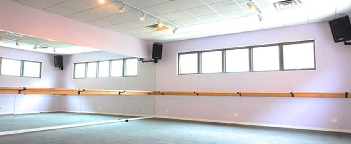 Charming Yoga & Modern Dance Studio In Historic Old-Town Lincoln Park | Studio North in Chicago Hero Image in Lincoln Park, Chicago, IL