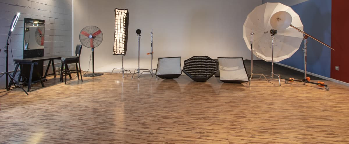 Ideal for Large Group Portraits, Wide Shots, and More! Impress your clients with this elegant space. (Studio A) in Alexandria Hero Image in Landmark, Alexandria, VA