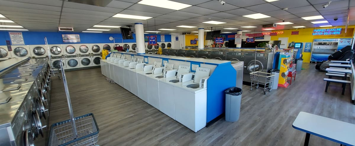 Urban Spacious Laundromat w/ A+ Lighting. in Long Beach Hero Image in Washington, Long Beach, CA