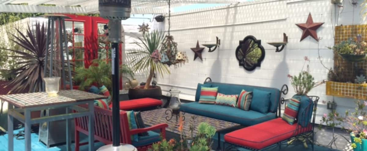 Larchmont Village -Stunning LOFT with Amazing Deck in Los Angeles Hero Image in Central LA, Los Angeles, CA