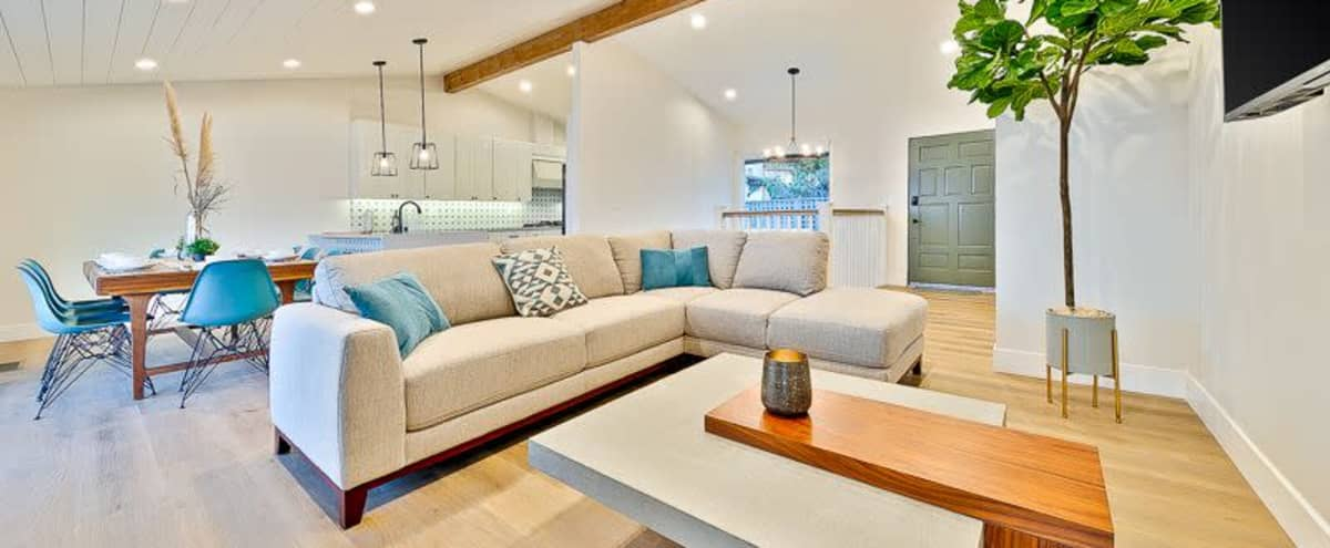Luxury Back Bay View Home in Newport Beach Hero Image in East Bluff, Newport Beach, CA